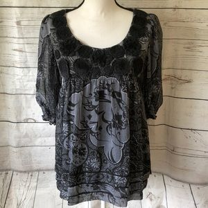 Yvos black & gray baby doll puff sleeve blouse